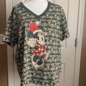 Green Christmas Minnie Mouse t-shirt